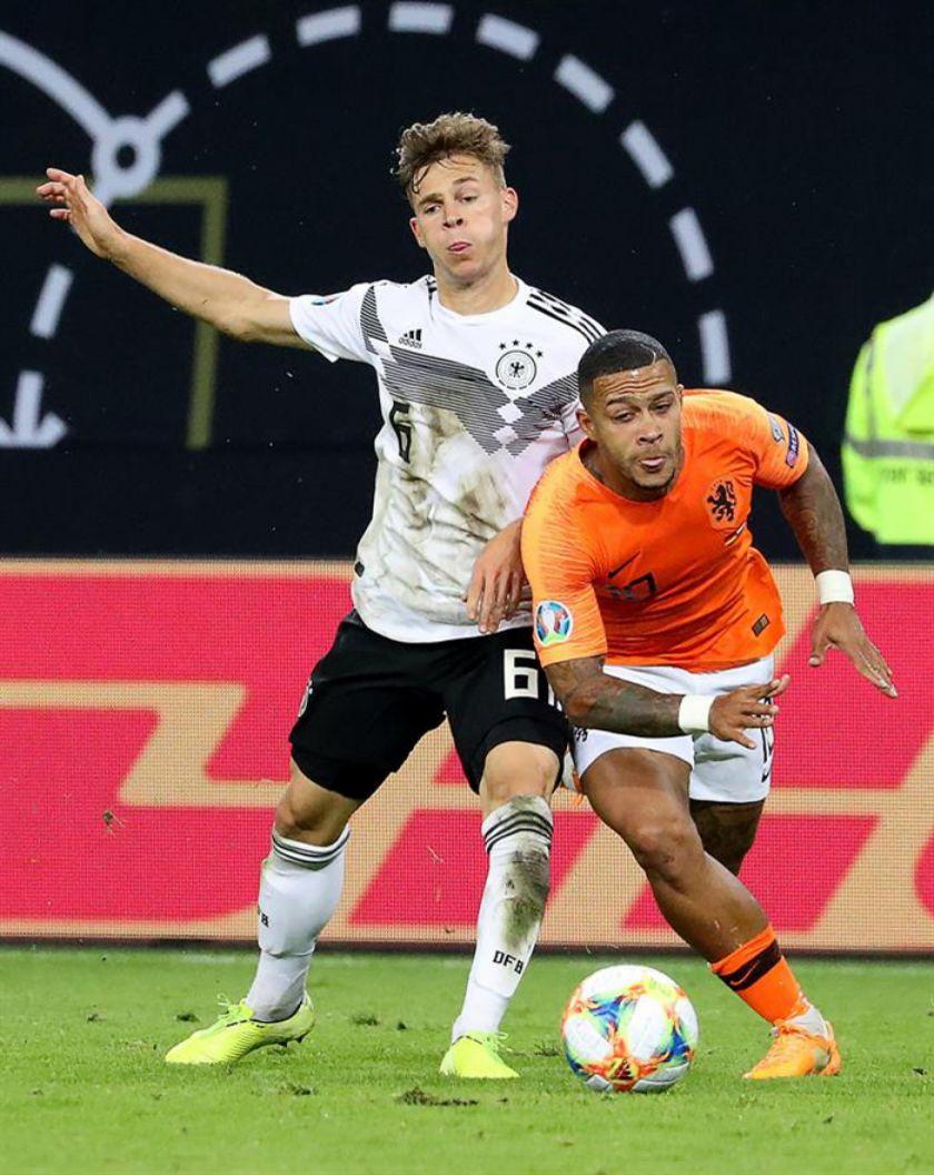 Holanda sorprende a Alemania en su casa