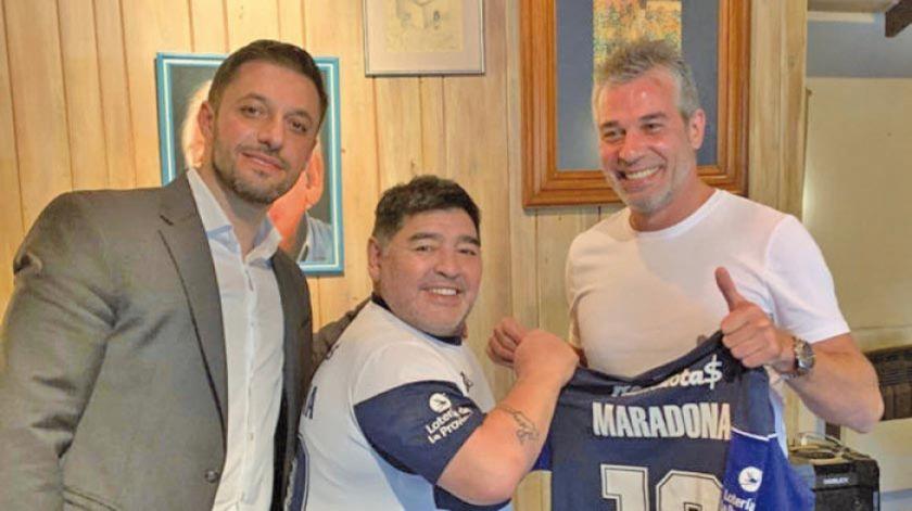 Gimnasia ultima detalles para la presentación de Maradona y suma socios