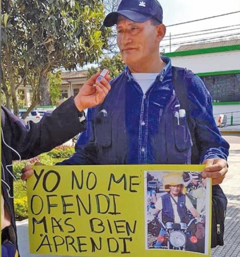 Un conductor defiende al coronel destituido en Yacuiba