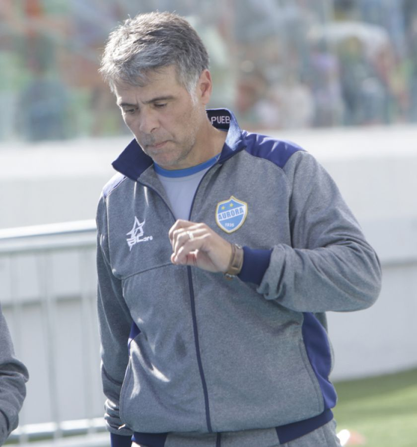 Aurora destituye al técnico Julio César Fuentes