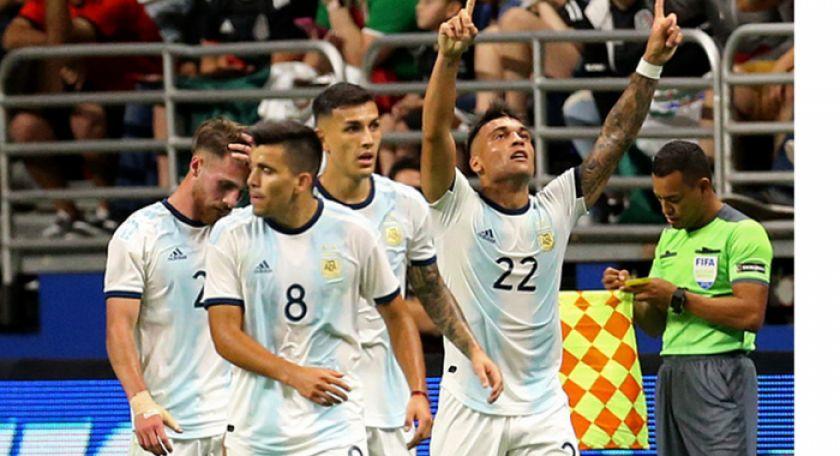 Argentina le da un baile a México