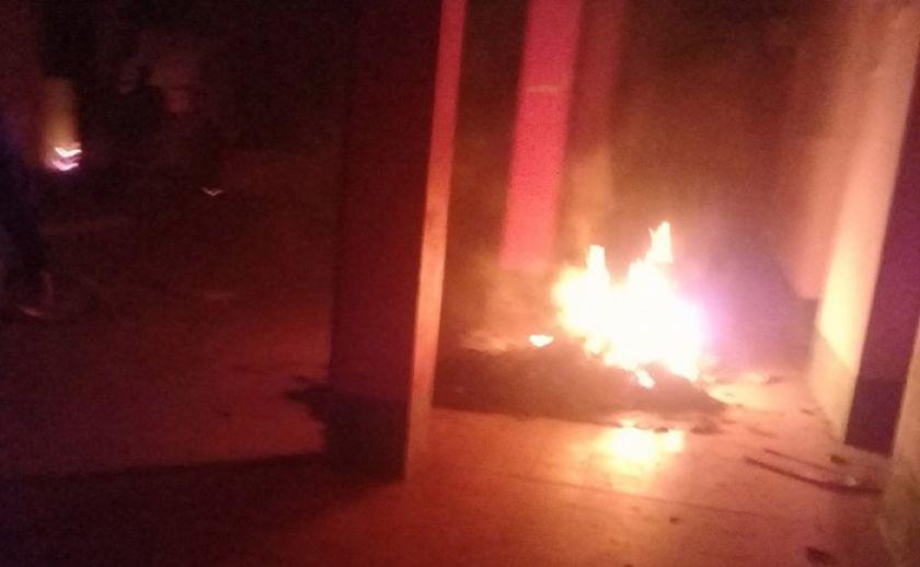 Chulumani: incendian estación policial tras un conflicto con el MAS