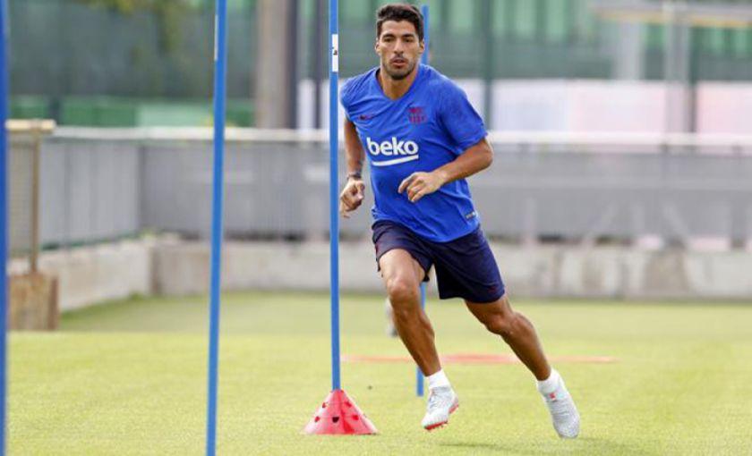 Suárez vuelve a los entrenamientos con Barcelona