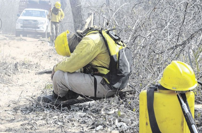 Tres bomberos se ahogan en poza en zona de las quemas forestales