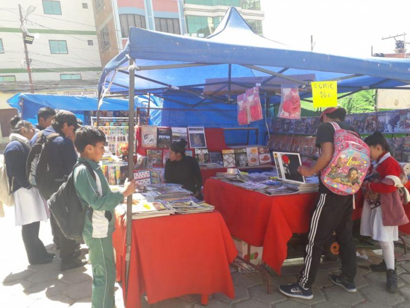 Se desarrolla la feria del libro en Llallagua