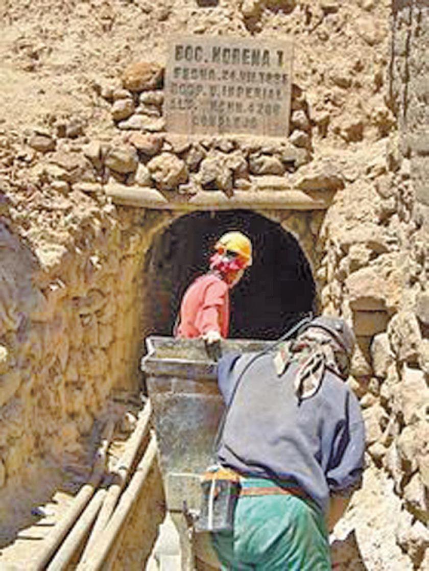 Mineros piden instalación de una planta para el zinc