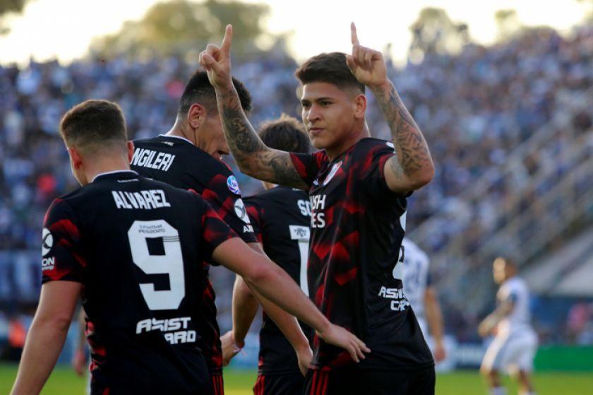 Semis de la Libertadores trae el clásico argentino