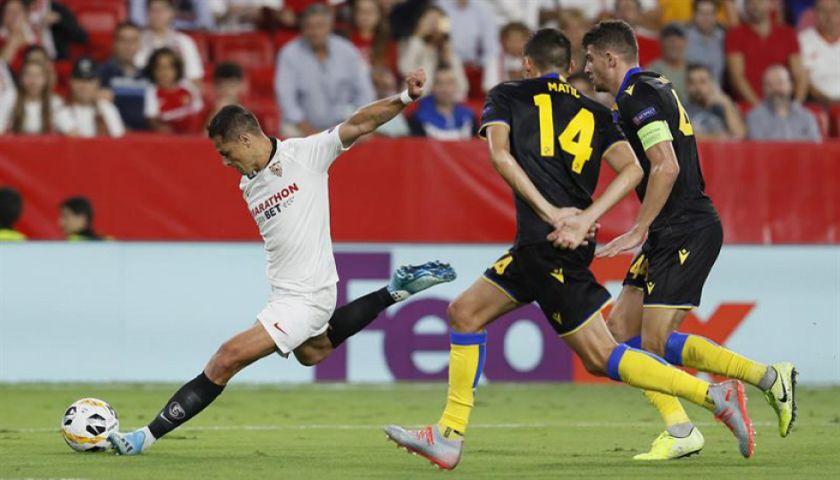 Sevilla vence y se afianza en el liderato