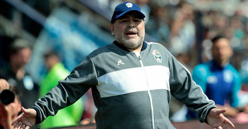 """Maradona: """"River fue superior, le podría haber ganado 5-0, pero no fue penal"""""""