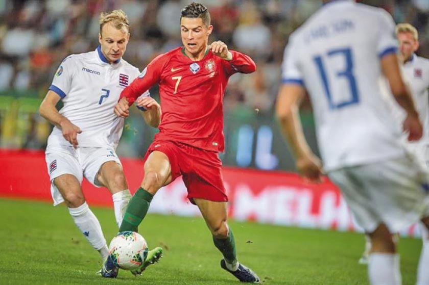 Cristiano, Guedes y Silva acercan a Portugal a su meta