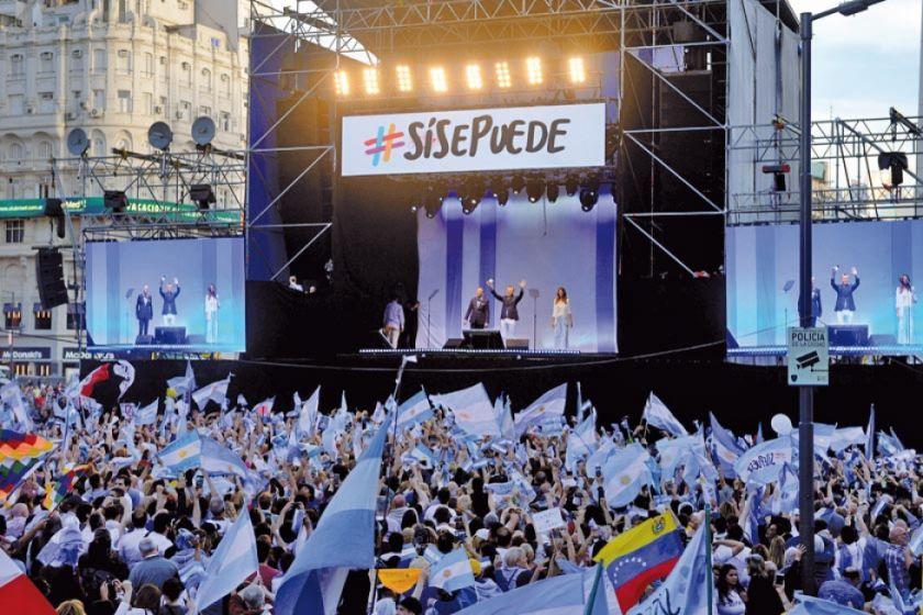 Macri se da un baño de multitudes a siete días de las elecciones