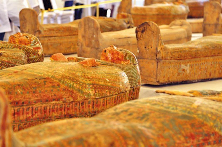 Egipto presenta 30 sarcófagos de más de 3 milenios