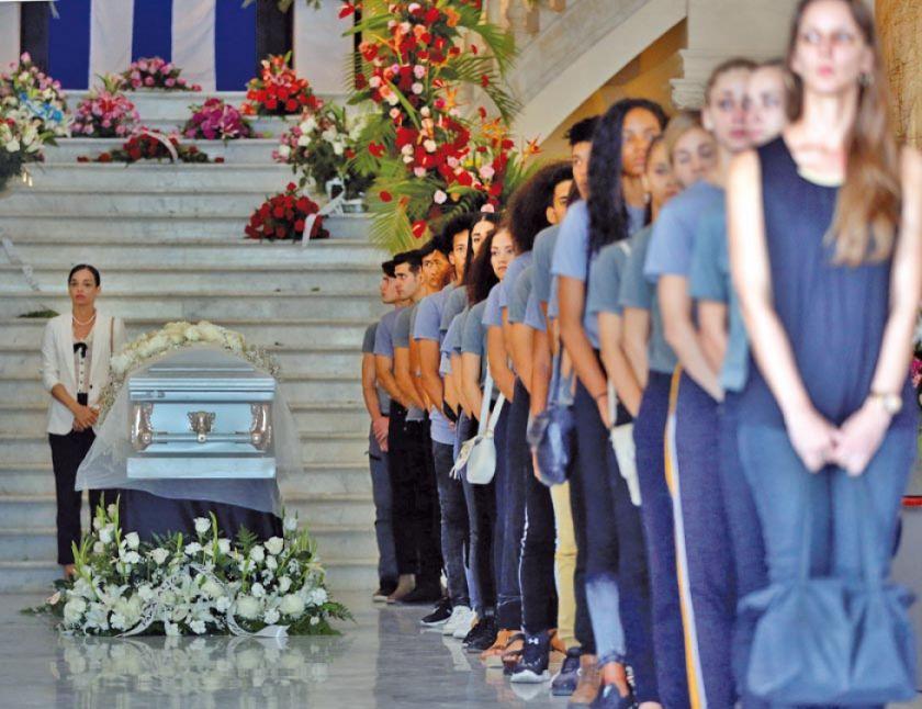 Cuba despide a Alicia Alonso con un funeral masivo