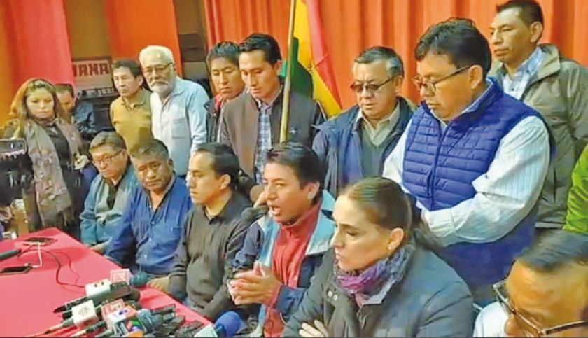 Cívicos: la única solución a conflicto es la salida de Evo Morales del poder