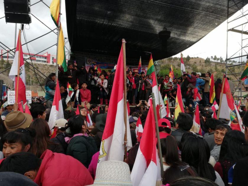 Estudiantes piden escolta policial para llegar a Sucre