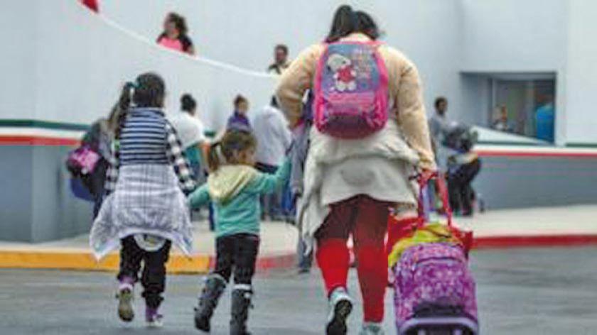 Las detenciones en frontera con México bajan 70 por ciento