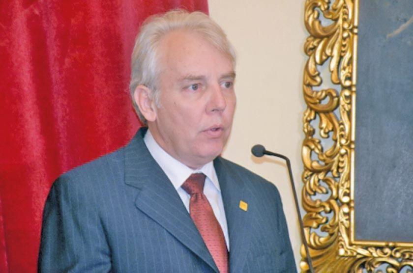 Añez designa a Carlos Melchor Díaz como ministro de Planificación