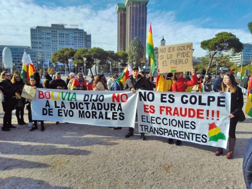 Bolivianos en España dicen que en Bolivia no hubo golpe