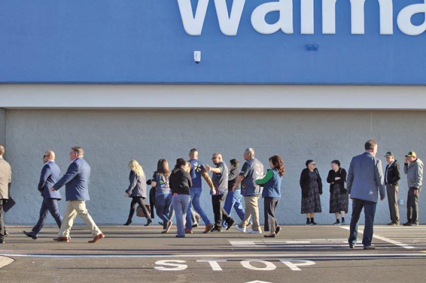 Mueren tres personas en tiroteo en un supermercado en EE.UU.