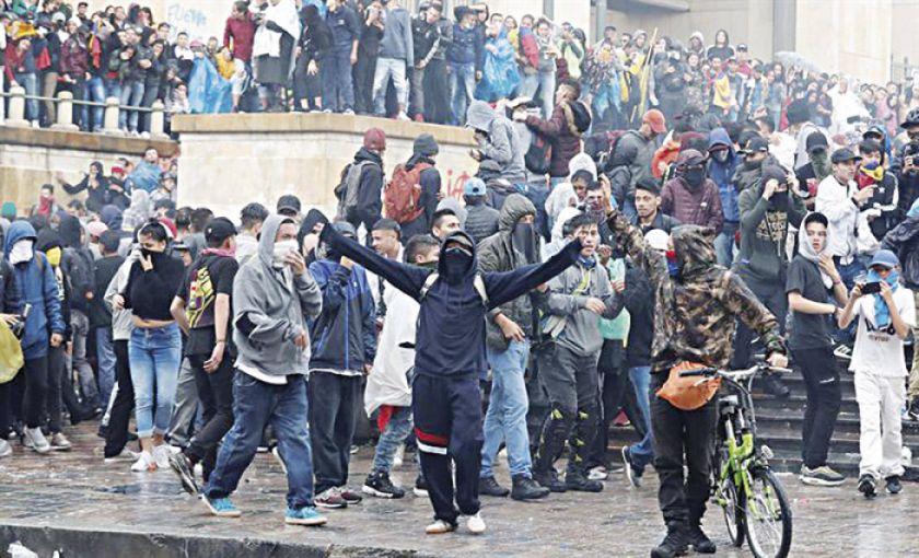 Colombia: Protestas terminan en hechos de vandalismo