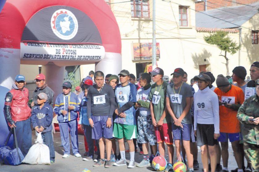 """Potosí albergará el 30 de noviembre la carrera pedestre  """"Integrando Bolivia"""""""