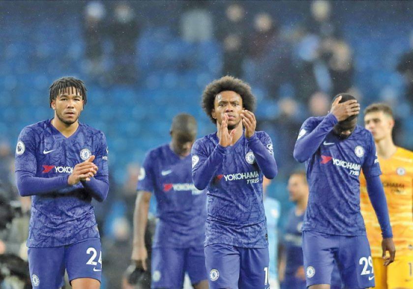 City vence al Chelsea y acecha al líder