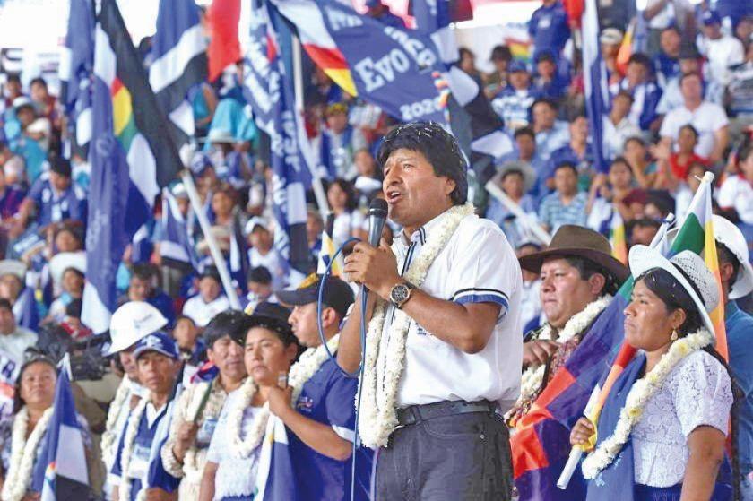 Masistas eligen a Evo como jefe de campaña para las elecciones