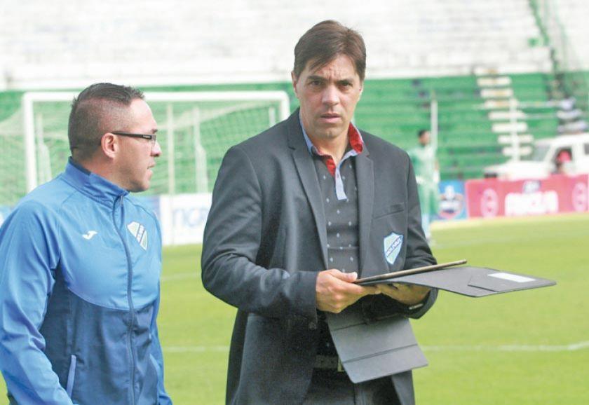Bolívar quiere saltar a la punta del Clausura