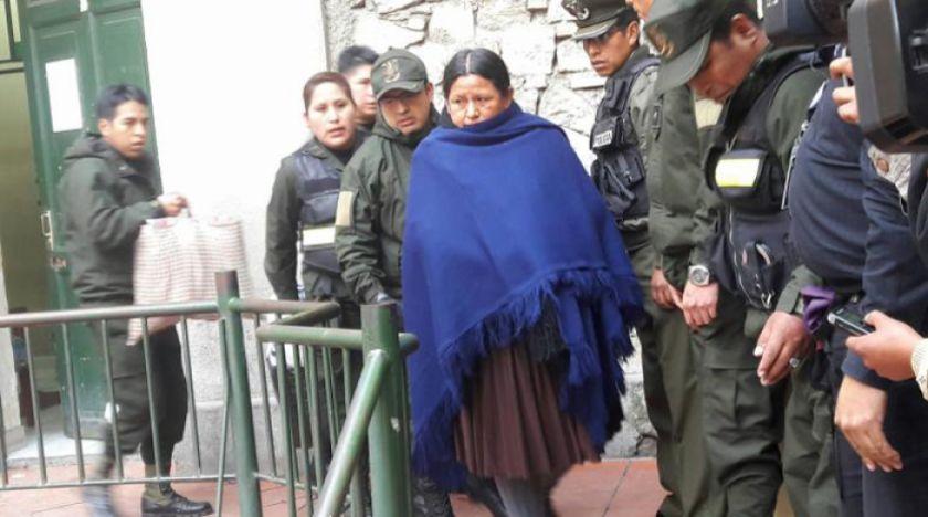 Solicitan formalmente quitar medidas sustitutivas a Nemesia Achacollo