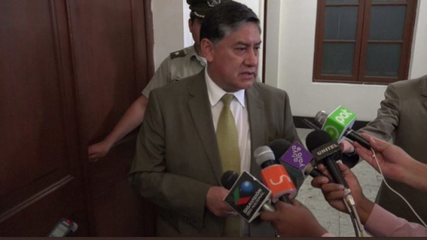 Activan la notificación azul para exasesor del TSE que huyó a Perú