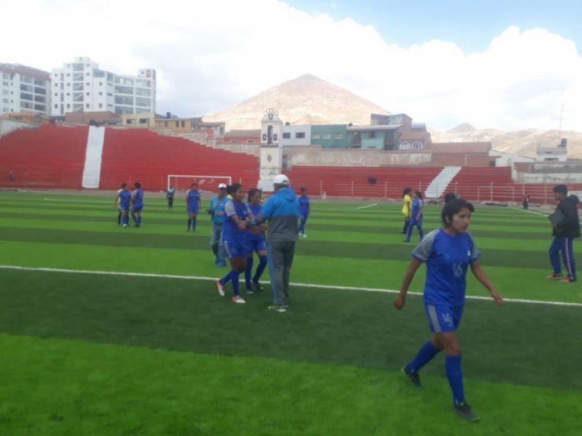 PAT se prepara para su próximo duelo del torneo local femenino de fútbol