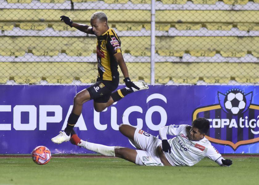 El Tigre gana y sigue  en la lucha por la cima