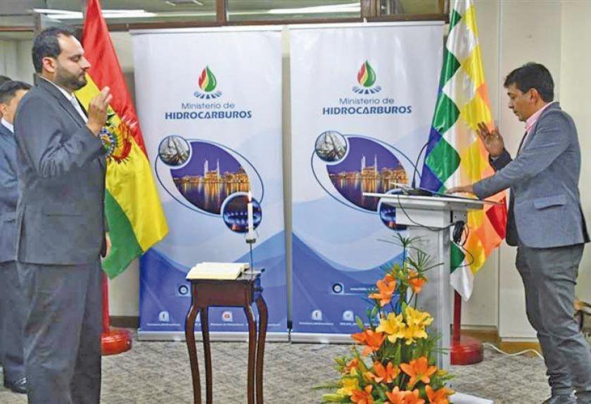 Herland Javier Soliz releva en la presidencia de  YPFB a José Luis Rivero