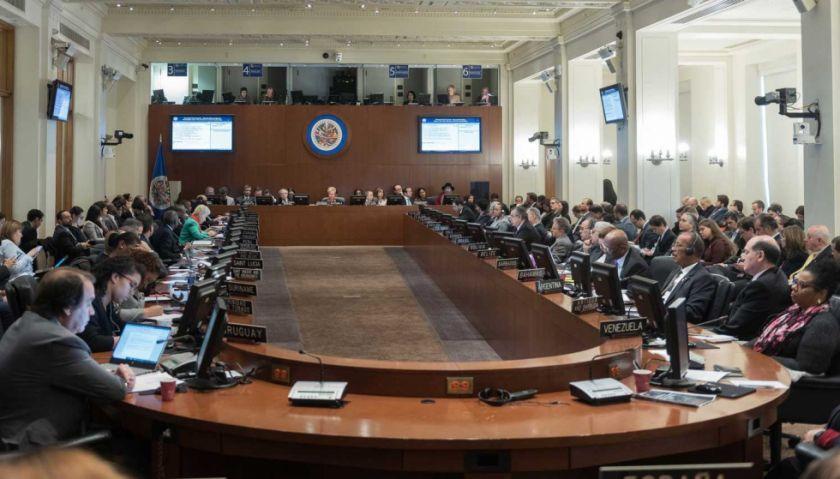 """OEA aprobó resolución de """"rechazo a la violencia racial en Bolivia"""""""