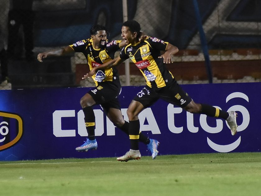 El Tigre le agua la fiesta a Bolívar