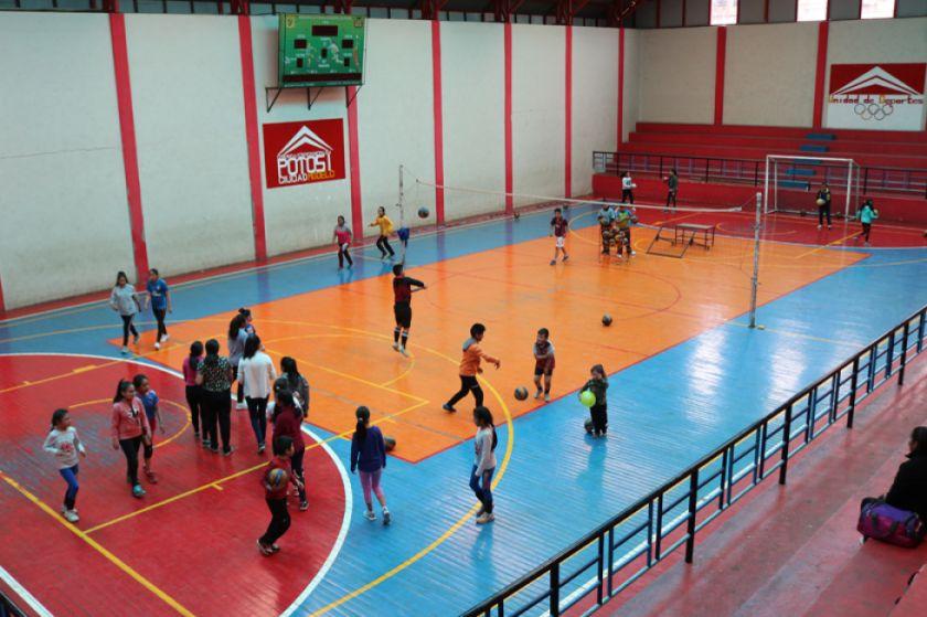Santa Rosa viaja con el objetivo de coronarse campeón nacional en voleibol