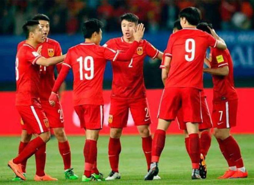 China aprueba tope salarial de 3 millones de euros para futbolistas extranjeros