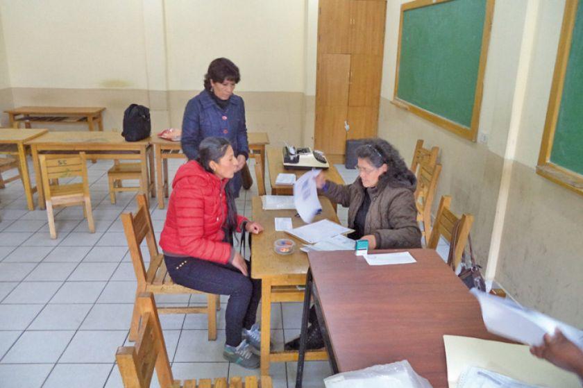 Se prohíbe la reserva de cupos en escuelas antes de inscripciones