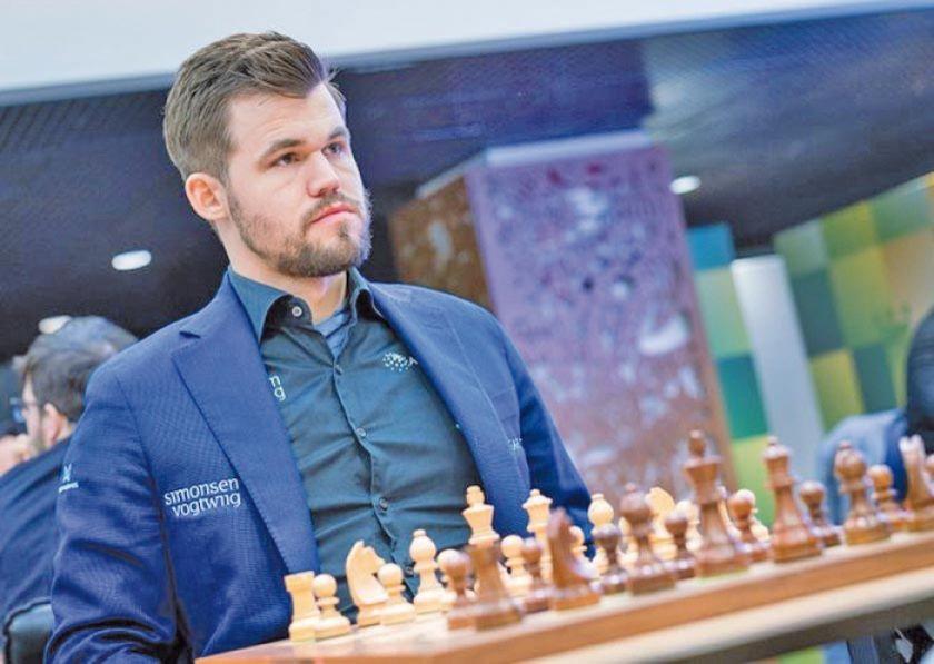 Carlsen y Koneru se coronan campeones mundiales de rápidas de ajedrez en Moscú