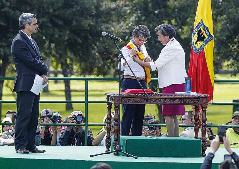 Nueva alcaldesa de Bogotá defiende la protesta social