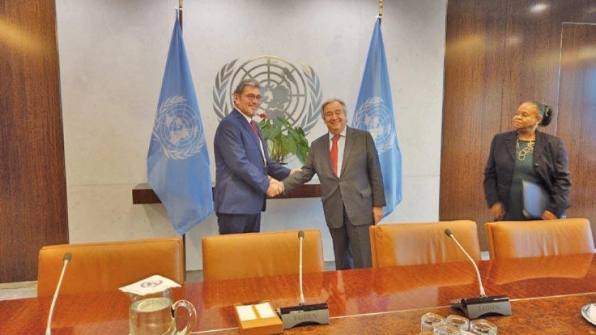 Embajador presenta cartas credenciales al secretario de la ONU