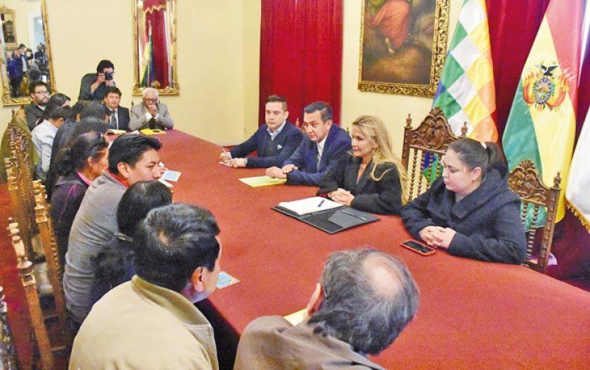 Avanzan las mesas de trabajo por demandas del pueblo potosino