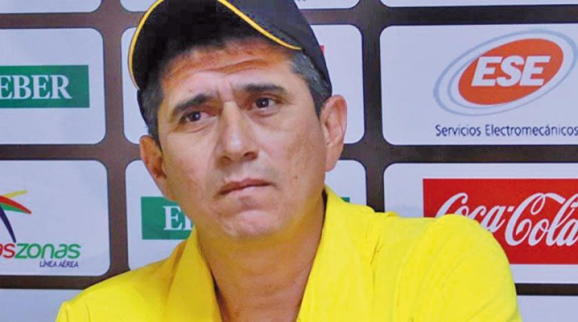 Peña se mantiene como Dt de Real Santa Cruz