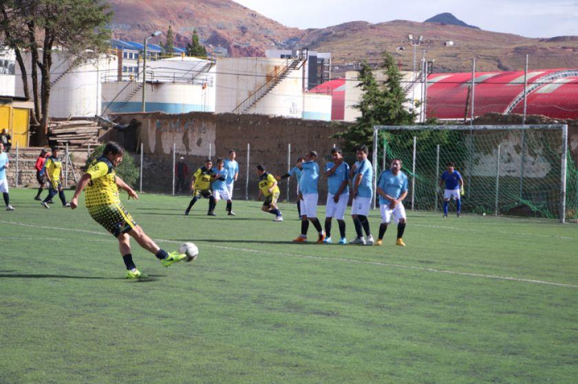 San Clemente golea sin piedad a Atlético La Paz