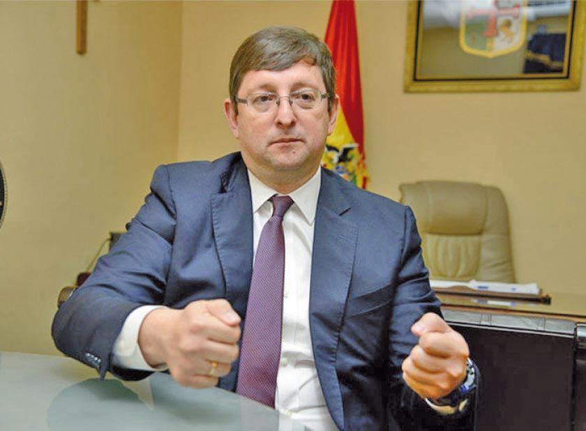 Óscar Ortiz impugna aprobación de la ley de Garantías en la Cámara Alta