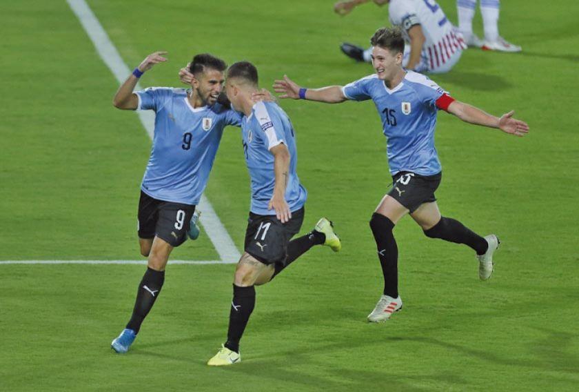 Uruguay gana por la mínima diferencia a Paraguay