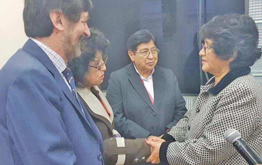 El Gobierno y Andecop acuerdan alza de 2 % a las pensiones escolares