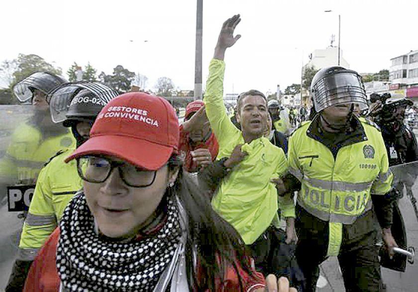 Cacerolazo en Colombia abre protesta callejera