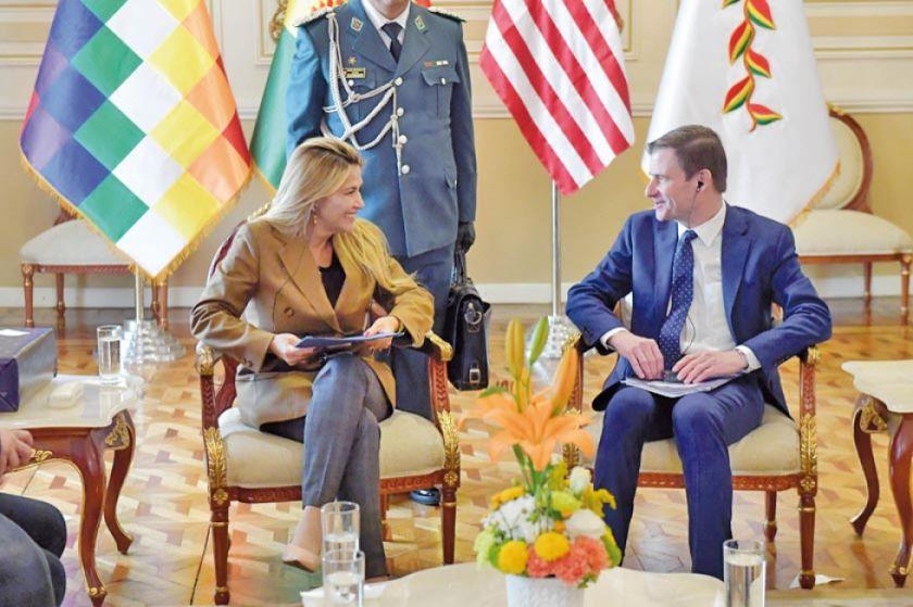 Subsecretario de EE.UU. anuncia envío de nuevo embajador a Bolivia