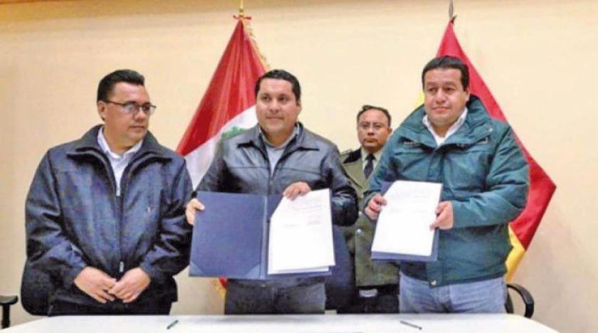 Perú y Bolivia suscriben acuerdo y suspenden restricciones comerciales